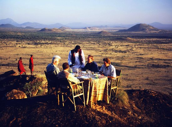 Campi ya Kanzi: Bush breakfast
