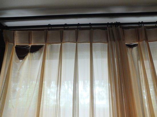 Villa Samadhi - By Samadhi: Ripped curtains