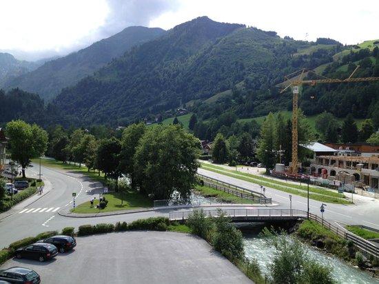 Hotel Toni: Utsikt mot fjellet