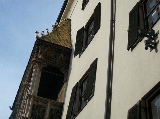 The Golden Roof (Goldenes Dachl): particolare del Tettuccio d'Oro