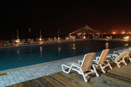 GHL Relax Hotel Sunrise : Luau