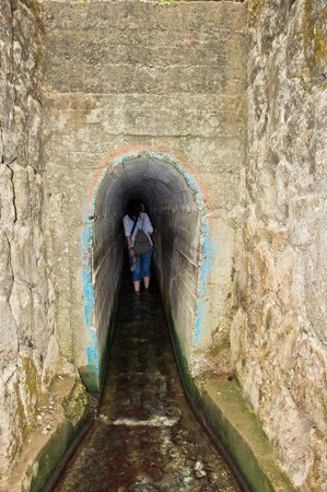 Вход в тоннель - Foto di Epta Piges, Kolympia - TripAdvisor