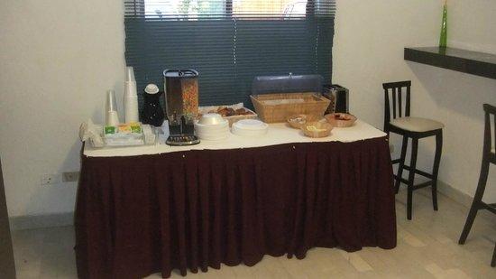 Beach House Imperial Laguna Cancun Hotel : Poor breakfast...