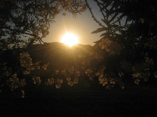 Chryssana Beach Hotel: tramonto retro camere