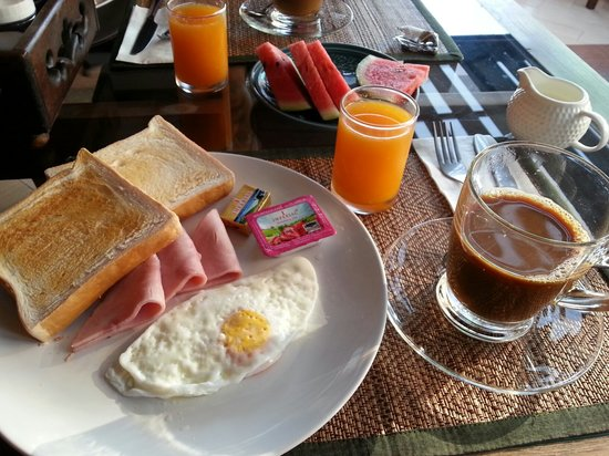 Chiangmai Boutique House: breakfast provided by hotel.