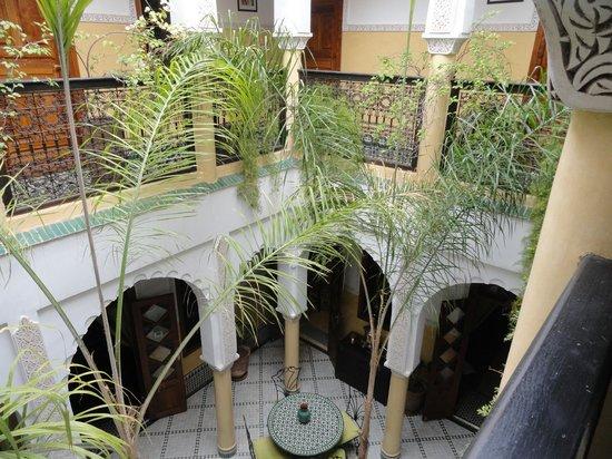 Riad Bab Agnaou & SPA: vue des chambres sur le patio