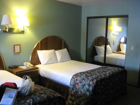 Thunder Bay Resort: My Bedroom