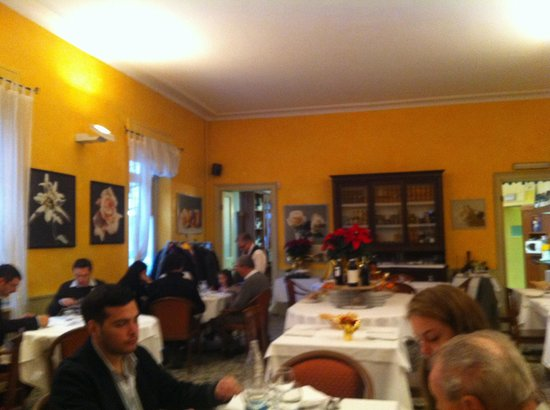 Chieri, Italien: Traditional dining room