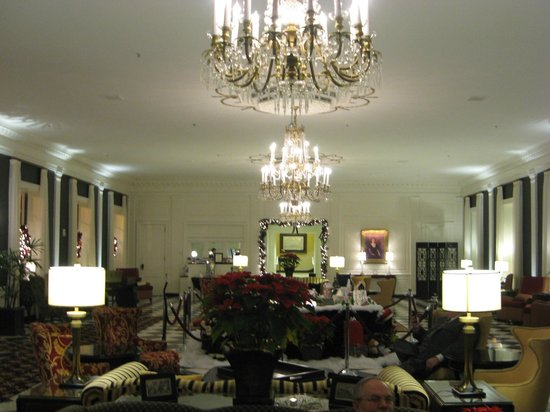 The Dearborn Inn, A Marriott Hotel: Lobby