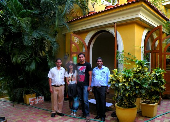 Bougainvillea Guest House Goa: With Freddie and Lourenco