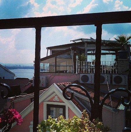 Ocean's 7 Hotel : Вид с террасы-кафе