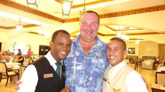 TRS Turquesa Hotel: Наши официанты