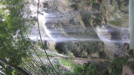 Villa Rosa : Wasserfall