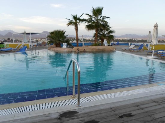 Lido Sharm Hotel: Pool in the early morning
