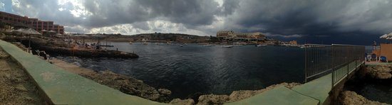Ramla Bay Resort : Thunderstorm rolls in over Gozo