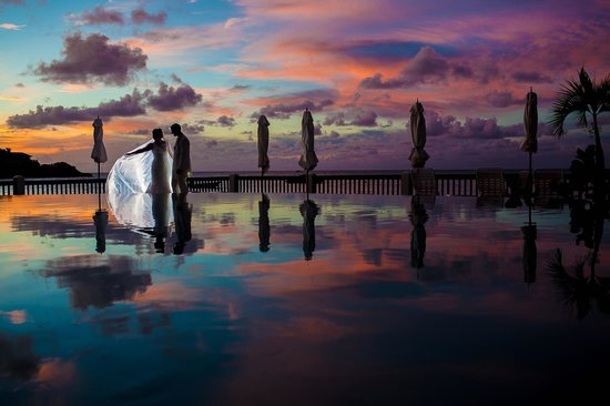 Blue Waters Antigua: Infinity pool - Vanessa Hall Photography