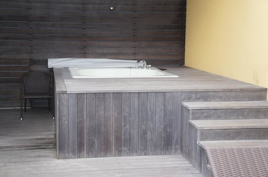 Resort Hotel Moana Coast: 屋上のジャグジー