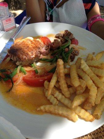 Sand Beach Club & Restaurant: My 4 year old niece's meal