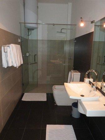 Ferncliff: douche salle de bain