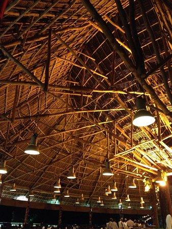 Diamonds La Gemma dell' Est: Le toit du restaurant principal