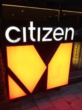 citizenM Amsterdam: Sign