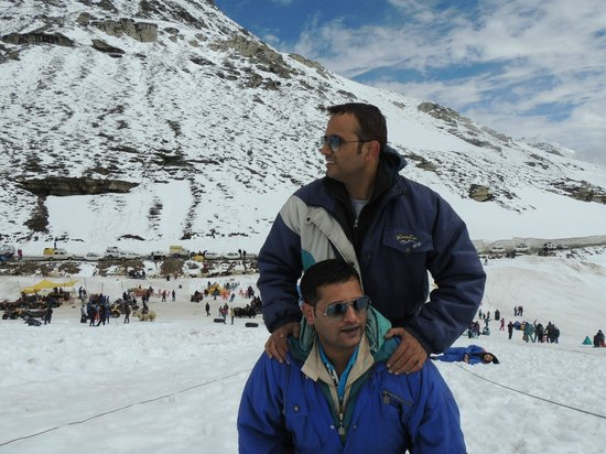 Rohtang P Relax And Enjoy The Place