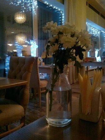 Peterville Hotel: Здесь подают завтрак