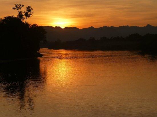 U Inchantree Kanchanaburi: Sunset over the River Kwai.