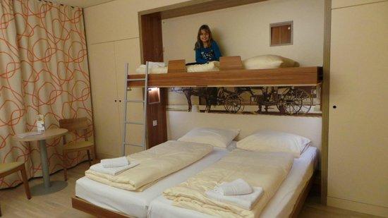 JUFA Hotel Wien City: zurück im Hotel - wer darf oben schlafen ;-)