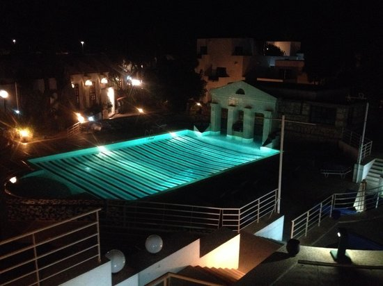 Caribbean Village Agador: Quite pool by night
