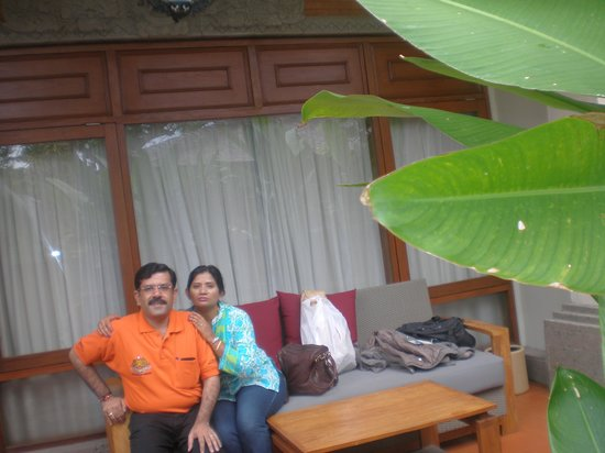 Rama Beach Resort and Villas: Sit In Area outside the room..