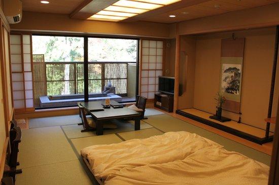 Tenseien: Sitting Room & Balcony