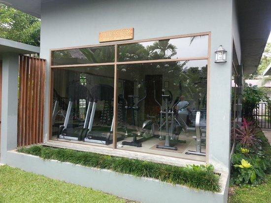 Metadee Resort and Villas : Gym; 2 treadmills, 2 ellipticals