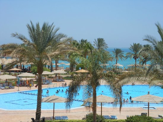 Mövenpick Resort Hurghada : our amazing view from the room