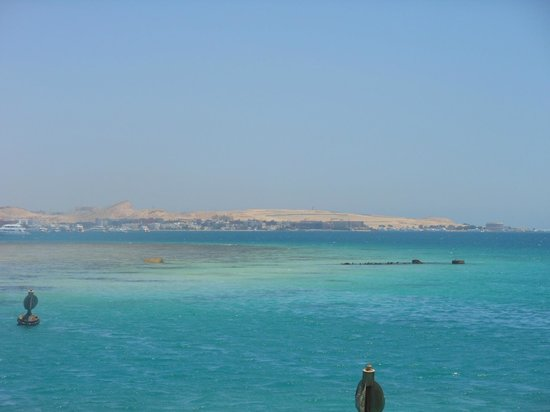 Mövenpick Resort Hurghada : sea are close to the beach