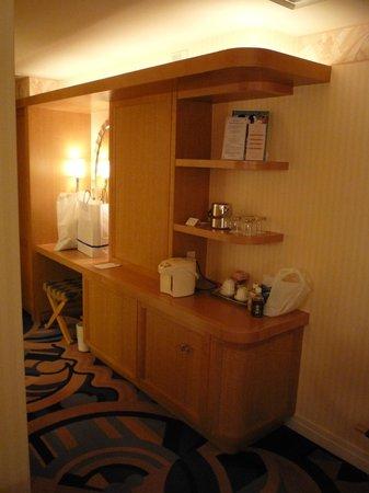 Disney Ambassador Hotel: 設備は十分です.