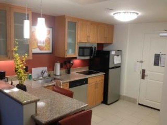 Residence Inn Little Rock Downtown: Full Kitchen, Nice