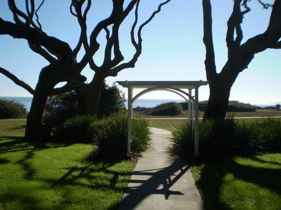 The Beachview Club: Looking towards the beach
