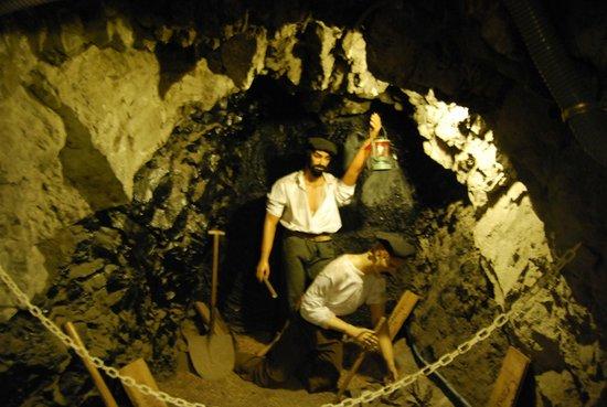 Museo minero Escucha: Como trabajaban en los 50's los mineros