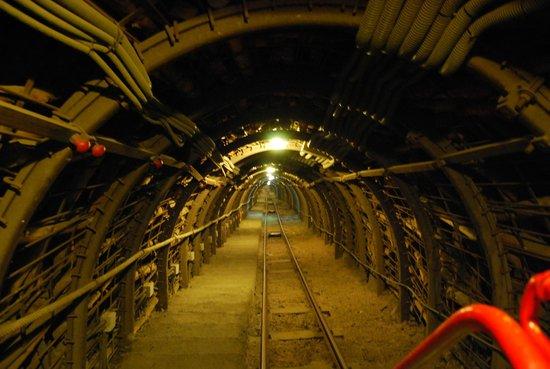 Museo minero Escucha: Bajando al fondo de la mina.