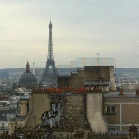 Mercure Paris Montmartre Sacre Coeur: Vue de la chambre