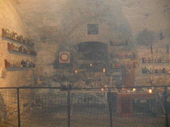 Pidhirtsi Castle: Алхимическая лаборатория