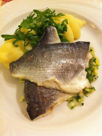 Chalet Hotel Cristallo : Cristallo food - sea bass, pesto mash & vegetables