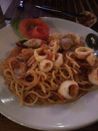 Girasole by La Gondola: Seafood sphagetti
