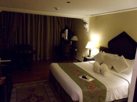 Arabian Courtyard Hotel & Spa: Bedroom