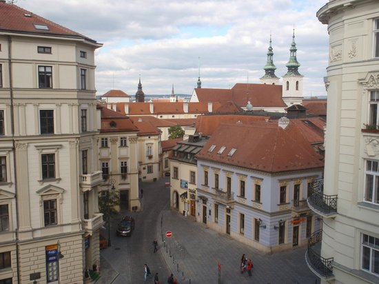 Barceló Brno Palace : Vista desde la habitación. Tejados de Brno.