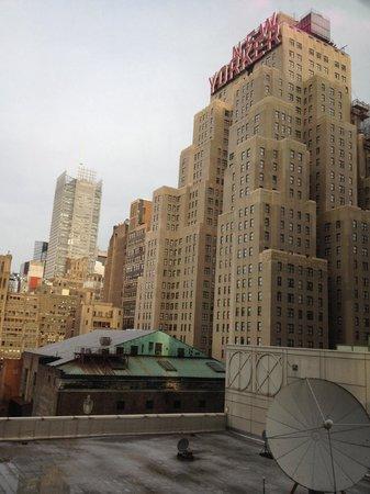 Fairfield Inn & Suites New York Midtown Manhattan/Penn Station : The New Yorker from my window