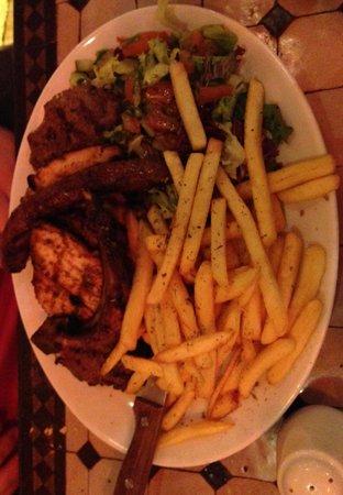 Kasbah Cafe Bazaar: Grillades mixtes