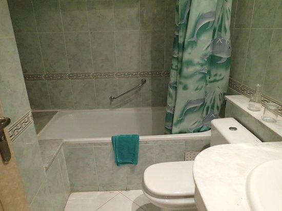 Hotel Mounia: バスルーム