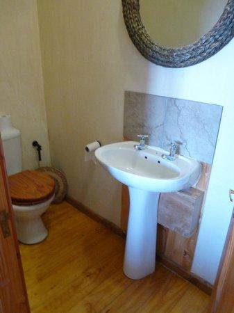 Simon's Town Backpackers: Salle de bains avec toilette